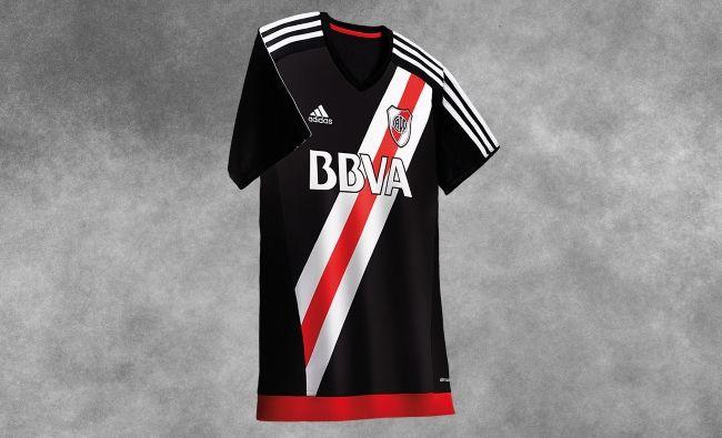 adidas presentó la nueva camiseta de River Plate  6923211ccaad4