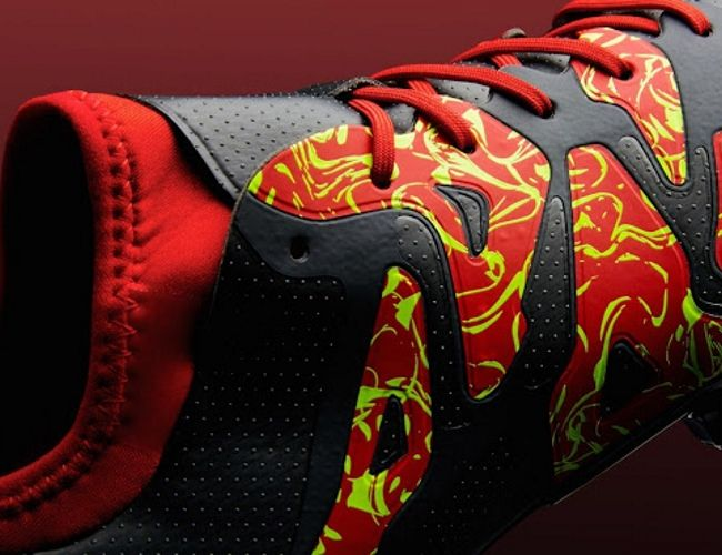 Nuevos botines adidas simulan fuego