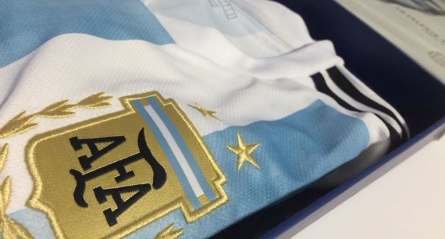 De Uruguay 1930 a Rusia 2018 ¿cómo ha evolucionado la camiseta de la ... 0451922bece