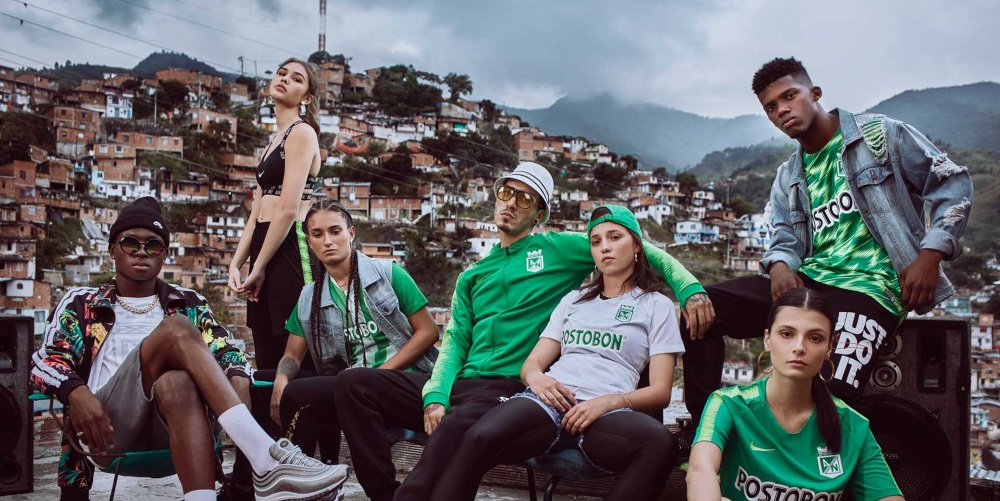 Atl U00e9tico Nacional Luci U00f3 Sus Nuevas Camisetas En Las Calles