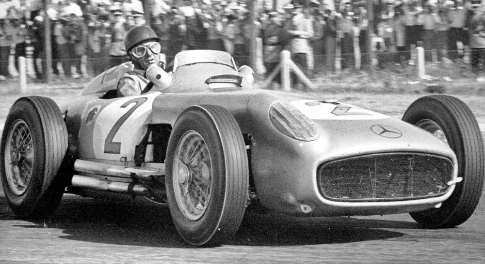 El homenaje de Mercedes-Benz a Fangio | Marketing Registrado / La Comunidad  del Marketing Deportivo