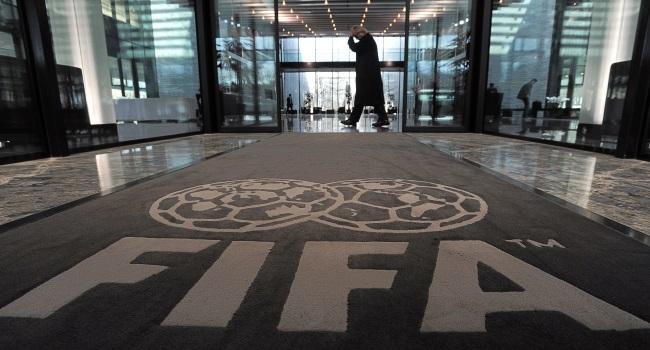 Un jugador africano demanda a la FIFA por la norma de traspaso de menores