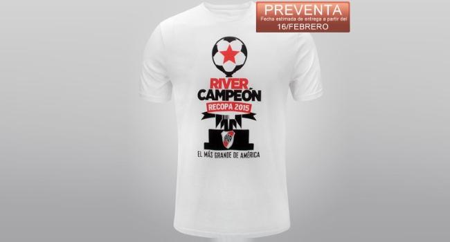 Camiseta de River en conmemoración a la obtención de la Recopa Sudamericana